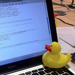 Rubber_duck_assisting_with_debugging
