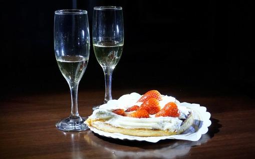 wine and cake pixabay